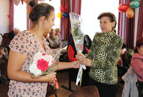 Благодарность преподавателю Худяковой Е.Е. от выпускников-пенсионеров
